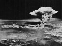 Gran Bretaña construyó una mina nuclear, que preveía detonar con pollos